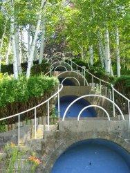 Naumkeag_(Stockbridge,_MA)_-_Blue_Steps.JPG