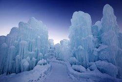 177100-icecastle1.jpe