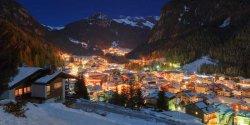 Alpine-village-in-winter.jpg
