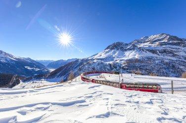 Switzerland_Mountains_Winter_Trains_Graubunden_5396.jpg