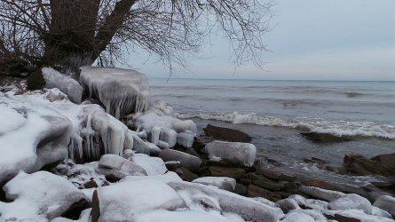 sea in winter.jpg