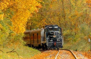 ohio-peninsula-cuyahoga-valley-scenic-railroad.jpg