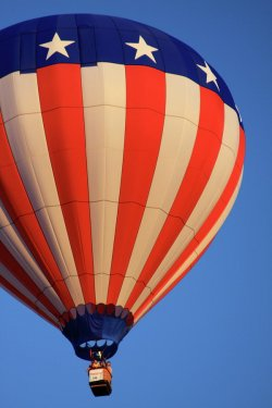 usa-patriotic-hot-air-balloon-tatiana-travelways.jpg