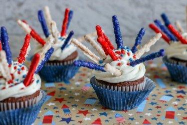 Fireworks-cupcakes-600.jpg