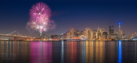 2051929837-Beautiful-4th-july-firework-Picture1.jpg