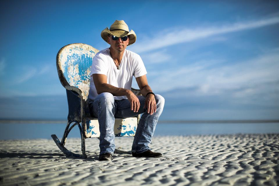 Kenny Chesney Spends Christmas at Blue Chair Bay - My Merry Christmas