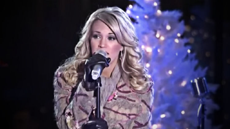 Carrier Underwood to Release Christmas Album in 2020